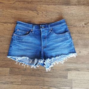 Levi's 501 Button-fly Medium Wash Shorts NWOT 27